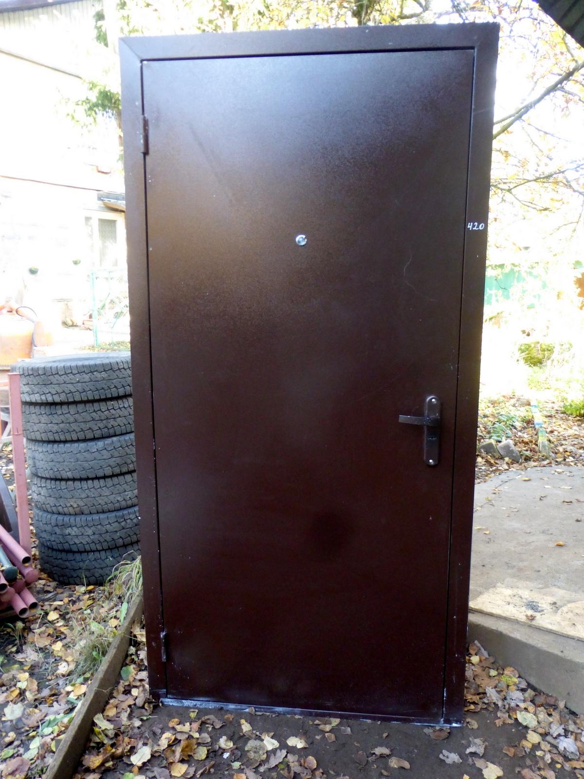 купить входную пластиковую дверь бу